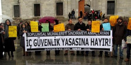 2014_0315_istanbul-ic-guvenlik-protesto-1
