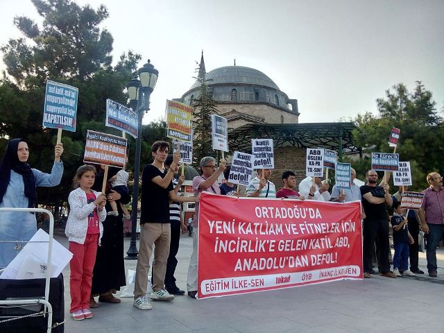 2015-08-incirlik-protesto-2